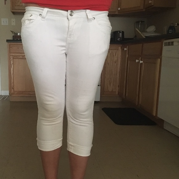 62% off Rue21 Denim - Rue 21 white capris:) size 7/8 in juniors ...