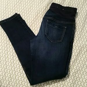 Old Navy Maternity Skinny Jeans