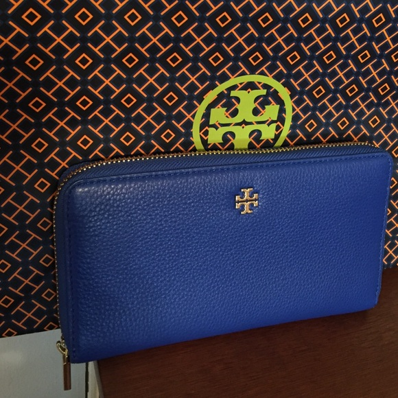 89d5fa04ee85 Tory Burch Bags | Mercer Zip Continental Blue Wallet | Poshmark