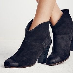 Jeffrey Campbell Shoes - Sale 🌸 Free People x Jeffrey Campbell Heel Boots