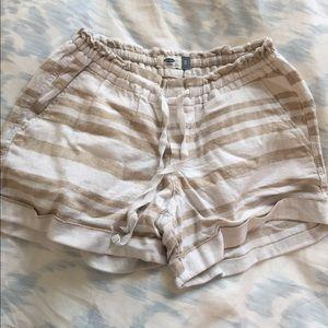 ✨White & beige striped linen shorts- NEW!✨