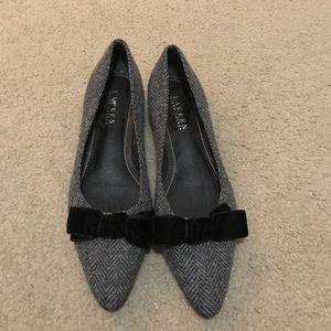 Lauren Ralph Lauren flats w/ a small heel size 8
