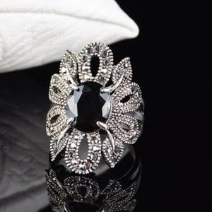 Jewelry - New silver plated black stone ring size 8