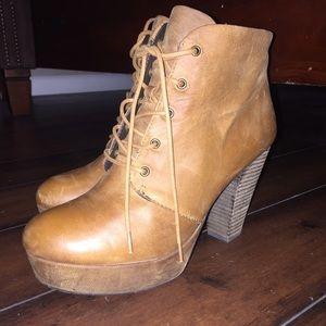 "Steve Madden ""Raspy"" Platform heels booties"