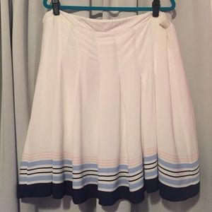 NWOT Old Navy white skirt with stripes