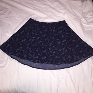 Navy blue floral skirt, size 4, urban outfitters