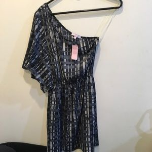 Romeo & Juliet Couture Dresses & Skirts - NWT Romeo & Juliet Couture One Shoulder Dress