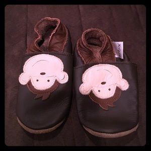 Bobux Other - Adorable monkey bobux shoes for baby, medium
