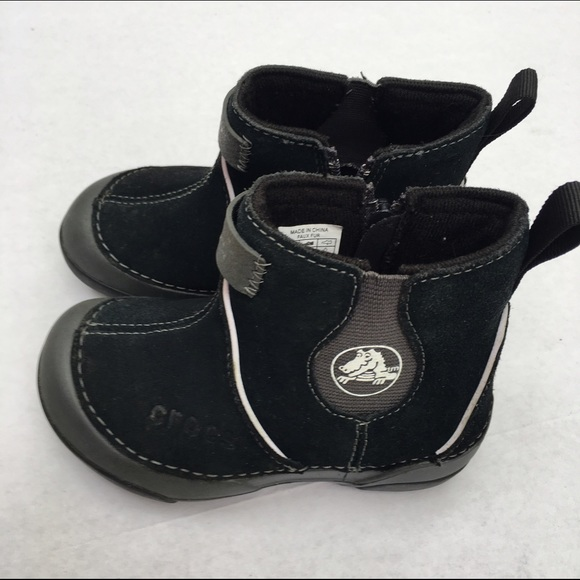 aa776277e9fac CROCS Other - Crocs kids low boots size C 8