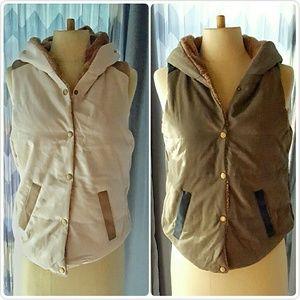 Jackets & Blazers - COZY FUR LINED hoody vest BNWOT