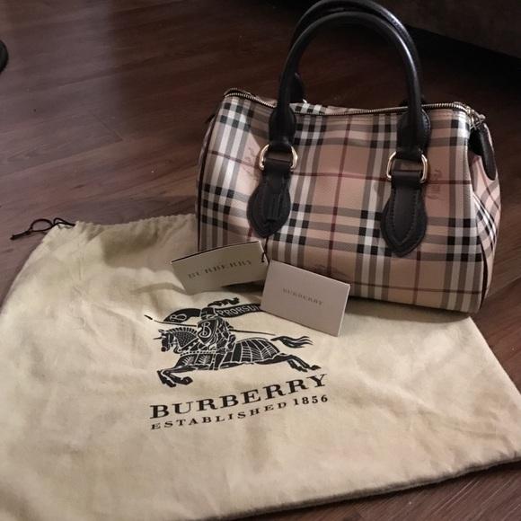 1d85d0bba6 Burberry Haymarket Large Chester bowling bag. M_581153b2f0928212de0042fc