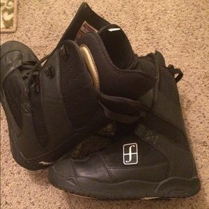 Other - Men's black Forum snowboarding boots