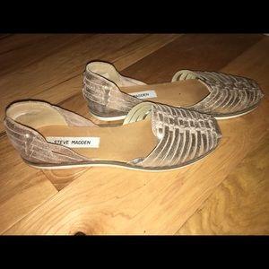 2dac84b9ee8e Steve Madden Shoes - Steve Madden Hillarie Huarache Slip Ons size 7