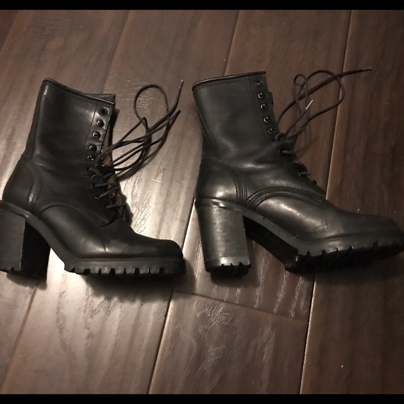 739cee50163 Guess Shoes - Guess chunky heel combat boots size 6