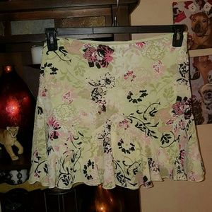 Ally B Dresses & Skirts - EUC Ally B Flowered Skirt Size 11