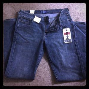 Levi's - Slight Curve, Bootcut Jeans Size 12