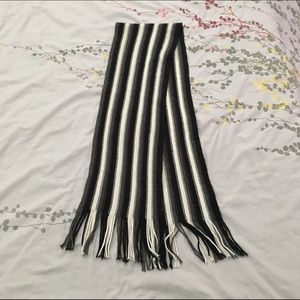 Black and White short scarf