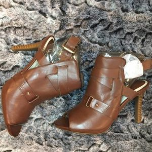 Studio Paolo Shoes - Studio Paolo brown buckle booties!