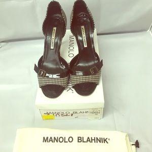 Manolo Blahnik 38.5