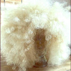 Accessories - blonde wig