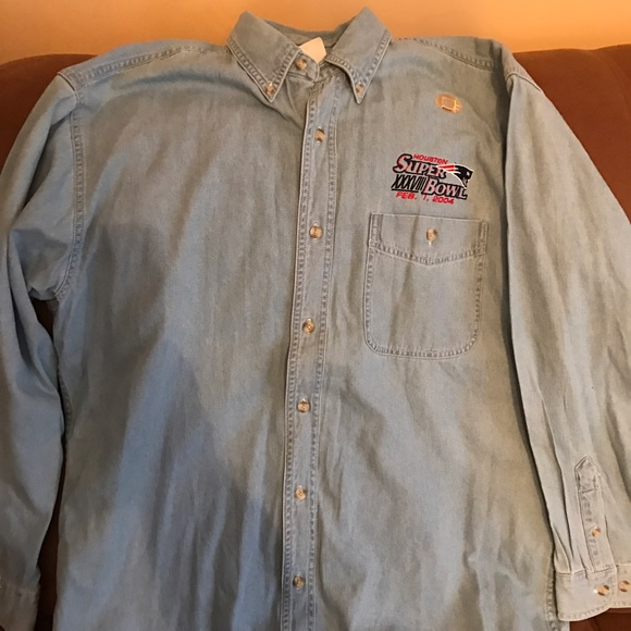 NFL New England Patriots Jean Button Down SB Shirt.  M 58125d8e4e95a36189010dc0 51353b096