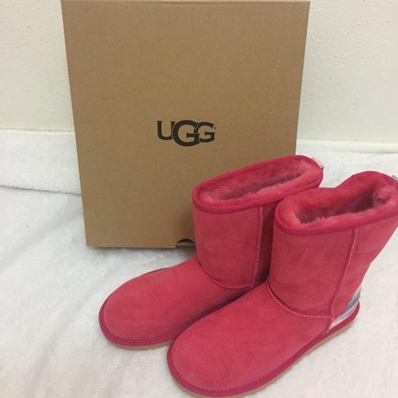 NIB UGG Classic Short Serape Boot Sunset Red