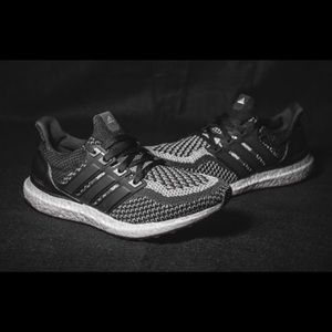382a0feacc43e Comparison + On Feet  Adidas Ultra Boost Black 1.0 vs 2.0 - Cheap ...