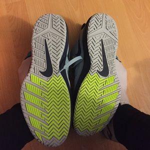 Nike Shoes - sale! Air max dominate xd Nike basketball shoes e8129998e