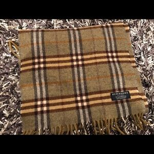 Burberry lambswool unisex scarf