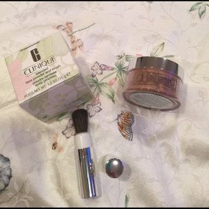 Clinique Other - Clinique blended face powder and brush