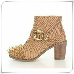 Booties with spikes