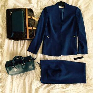 Tahari Jackets & Blazers - Tahari Jacket And Pants Suit Set Sz6 NWT