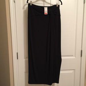 NWT Saks Fifth Ave Black Label Skirt / Medium