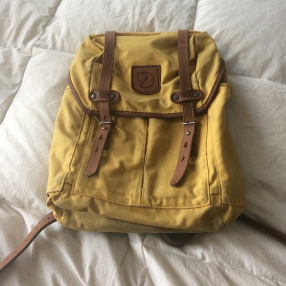 small fjallraven rucksack no 21 in ochre