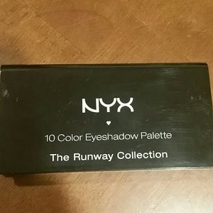 Nyx eye shadow palette
