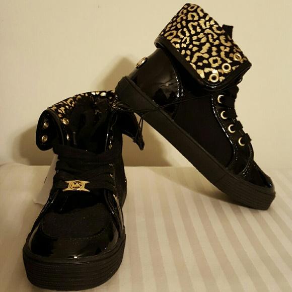 12c9131db7d NWT Michael Kors Girls Canvas high top sneaker bt