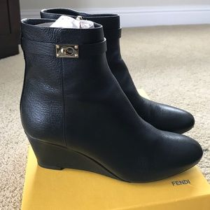 Fendi booties size 40! Gorgeous