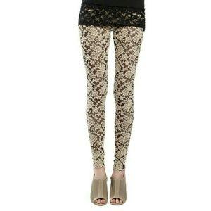 🌟HP....Beautiful Lace Leggings
