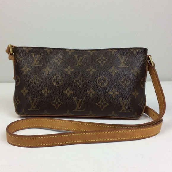Louis Vuitton Handbags - LOUIS VUITTON Trotteur Monogram Cross Body Bag 0add1141730cd