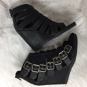 Madden Girl Shoes - Madden Girl Duff Black Wedges Size 6.5