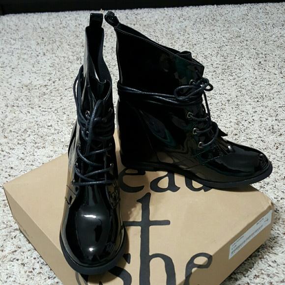 50 shoe dazzle shoes beau ashe combat wedge boots