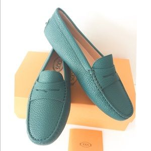 Tod's Shoes - NIB Tod's pebbled leather moccasin driver shoes