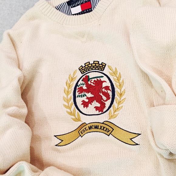 Men's Vintage Tommy Hilfiger Lion Crest Knit Crew
