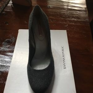 Banana Republic Size 9.5 Slate Shoes