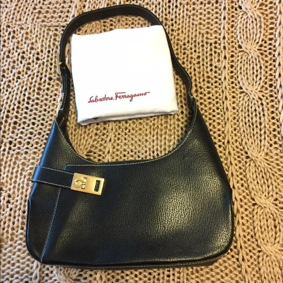 16a16dca65a7 Salvatore Ferragamo purse. M 5814e5ffc6c7955d4d010d9d