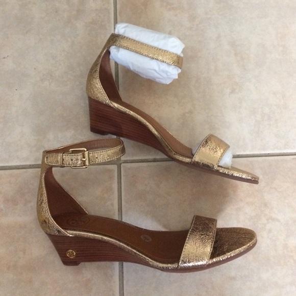 eedbbba579e6 Tory Burch savannah wedge sandal gold size 6