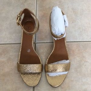 9a22fd041b4c Tory Burch Shoes - Tory Burch savannah wedge sandal gold size 6