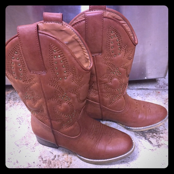 78% off Volatile Other - Girls size 12 boots from Crystal's closet ...