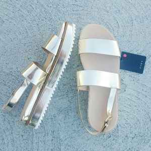 Shoes - FIRM $15 NWT🔖 ZARA Platform Sandals