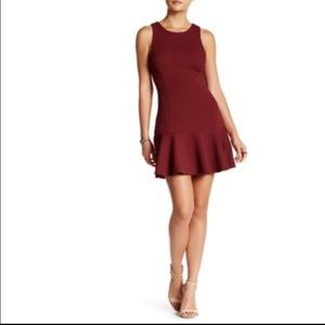 ASTR - Textured Drop Flounce red Dress